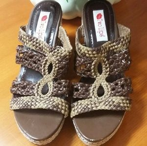 Two Lips wedge Sandals size 9